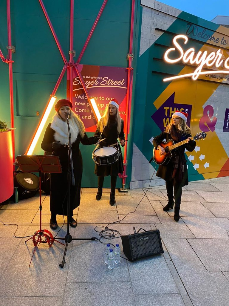 Singing Santarinas London
